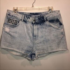 Divided by H&M High Rise Acid Wash Shorts